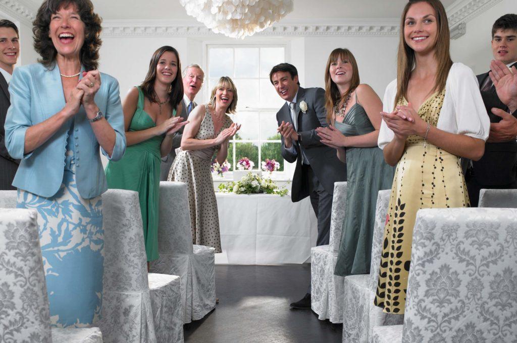 invité lors de la cérémonie de mariage
