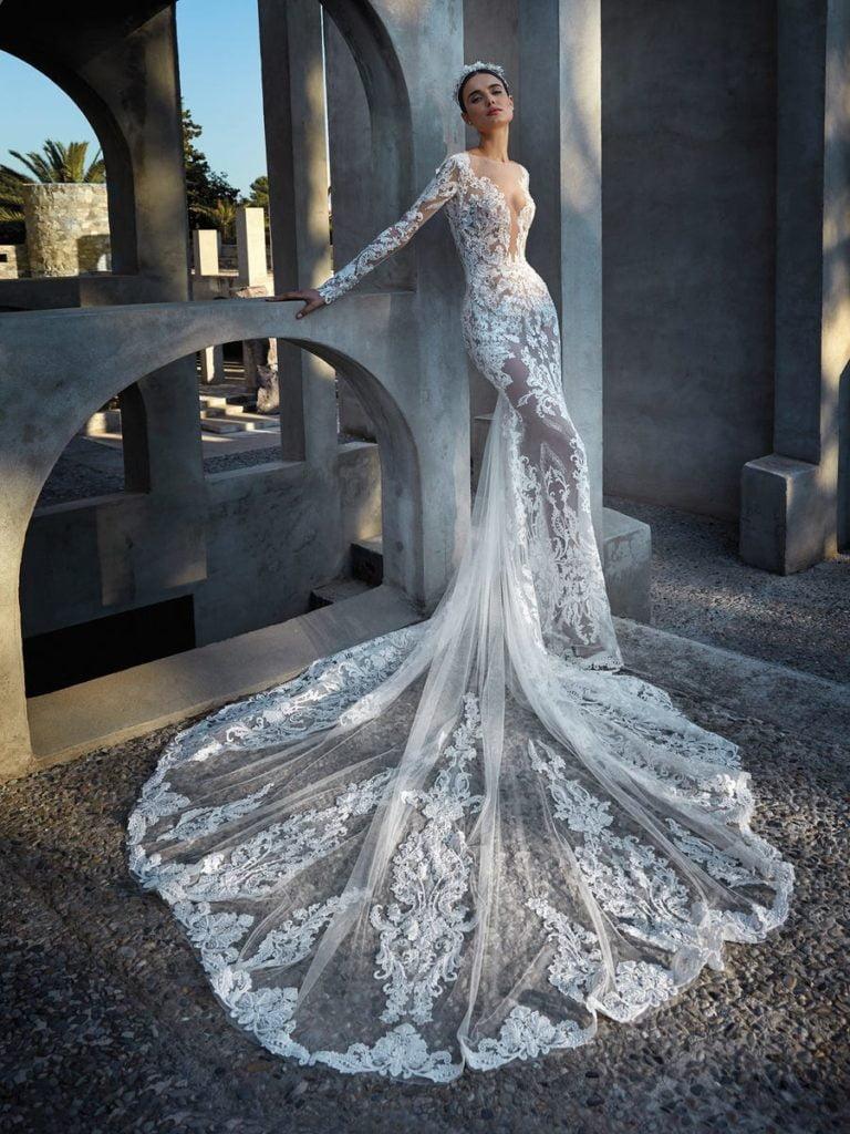 robe de mariée longue traine pronovias