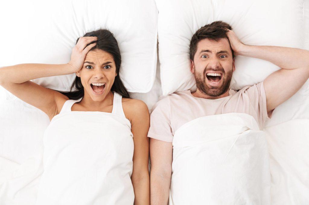 couple affolés et en stress avant le mariage