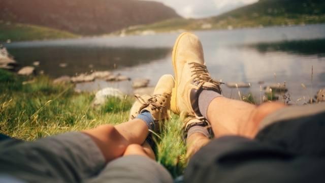 partir en camping en couple pour une demande romantique et nature